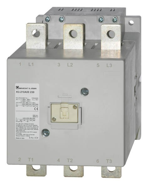 K3-210A00 schaltet 110 kW / 350A